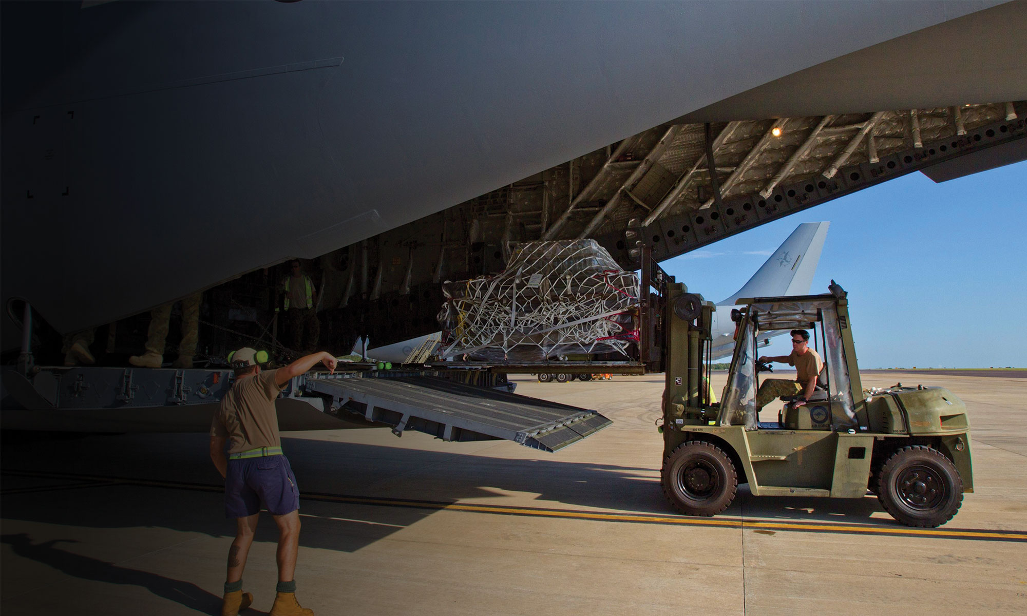 Our military pallet nets provides a range of solutions to restrain palletised cargo. Approved by the US DoD Air Transportability Agency (ATTLA) for use on a variety of military cargo aircraft.